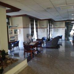 Отель Gillieru Harbour Сан-Пауль-иль-Бахар интерьер отеля