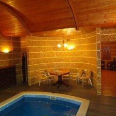 Гостиница John Hughes Hotel Украина, Донецк - отзывы, цены и фото номеров - забронировать гостиницу John Hughes Hotel онлайн бассейн