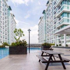 Отель KL Guesthouse Scott Garden Малайзия, Куала-Лумпур - отзывы, цены и фото номеров - забронировать отель KL Guesthouse Scott Garden онлайн бассейн фото 2
