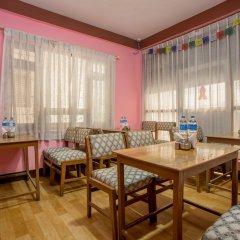 Отель OYO 148 Hotel Green Orchid Непал, Катманду - отзывы, цены и фото номеров - забронировать отель OYO 148 Hotel Green Orchid онлайн интерьер отеля фото 2