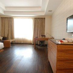 Отель Mapple Emerald New Delhi Индия, Нью-Дели - отзывы, цены и фото номеров - забронировать отель Mapple Emerald New Delhi онлайн комната для гостей фото 5