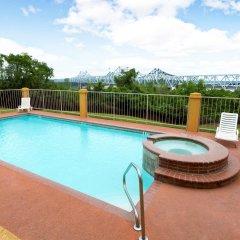 Отель Days Inn & Suites by Wyndham Vicksburg бассейн