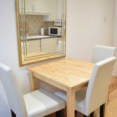 Отель Spacious 1 Bedroom Flat In Piccadilly Circus удобства в номере