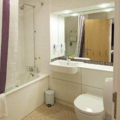 Отель Premier Inn London City - Old Street ванная
