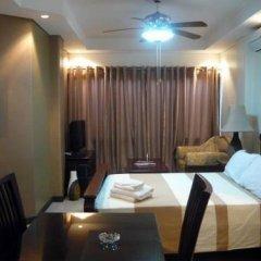 Отель Affinity Condo Resort - Luxury Hotel Филиппины, Пампанга - отзывы, цены и фото номеров - забронировать отель Affinity Condo Resort - Luxury Hotel онлайн комната для гостей фото 2