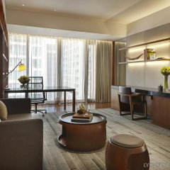 Отель Hansar Bangkok комната для гостей фото 2