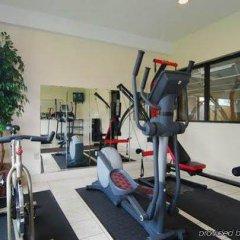 Отель Comfort Inn North Conference Center фитнесс-зал фото 3