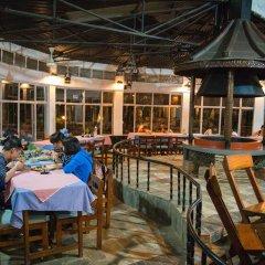 Отель Chitwan Adventure Resort Непал, Саураха - отзывы, цены и фото номеров - забронировать отель Chitwan Adventure Resort онлайн питание фото 3