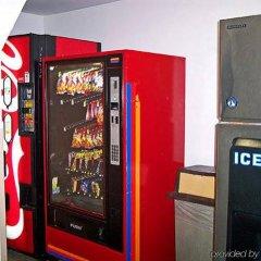 Отель Super 8 by Wyndham Vicksburg банкомат