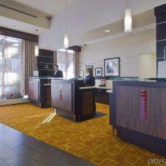 Отель Hampton Inn And Suites Columbus Downtown Колумбус в номере