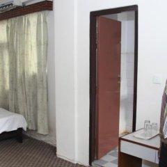 Отель Choice Hotels Непал, Катманду - отзывы, цены и фото номеров - забронировать отель Choice Hotels онлайн сейф в номере