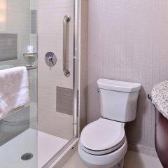 Отель Holiday Inn New York City - Times Square США, Нью-Йорк - отзывы, цены и фото номеров - забронировать отель Holiday Inn New York City - Times Square онлайн ванная