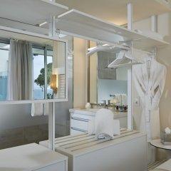 Отель ME Ibiza - The Leading Hotels of the World ванная фото 2