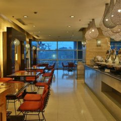 Crown Regency Hotel and Towers Cebu гостиничный бар