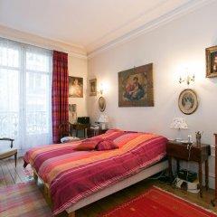 Отель Appartement Champs Elysées Париж комната для гостей фото 2