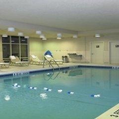 Отель Hampton Inn & Suites Staten Island США, Нью-Йорк - отзывы, цены и фото номеров - забронировать отель Hampton Inn & Suites Staten Island онлайн бассейн фото 2