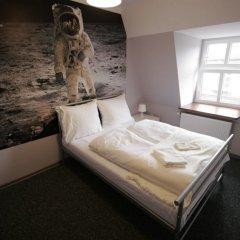 Отель Explorer Hostel Польша, Познань - отзывы, цены и фото номеров - забронировать отель Explorer Hostel онлайн ванная фото 2