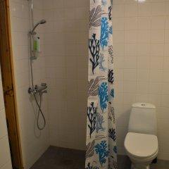 Отель Helsinki Airport Suites Финляндия, Вантаа - отзывы, цены и фото номеров - забронировать отель Helsinki Airport Suites онлайн ванная
