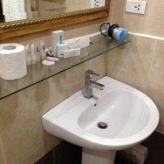 Отель Azzurro Hotel Филиппины, Пампанга - отзывы, цены и фото номеров - забронировать отель Azzurro Hotel онлайн ванная