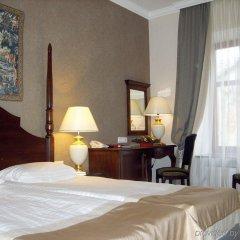 Гостиница Reikartz Medievale Львов комната для гостей фото 5