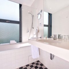 Hotel am Borsigturm ванная