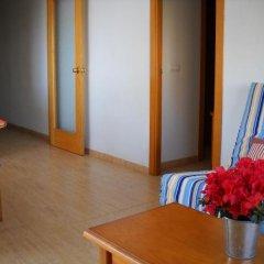 Отель Apartamentos Villa de Madrid Испания, Бланес - отзывы, цены и фото номеров - забронировать отель Apartamentos Villa de Madrid онлайн интерьер отеля