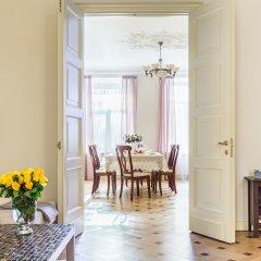 Апартаменты Apartment near Hermitage Санкт-Петербург комната для гостей фото 3