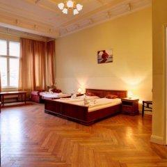 Отель Pension Bernstein am Kurfürstendamm Германия, Берлин - 1 отзыв об отеле, цены и фото номеров - забронировать отель Pension Bernstein am Kurfürstendamm онлайн комната для гостей фото 5