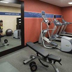 Отель Hampton Inn & Suites Tulare фитнесс-зал фото 2