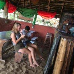 Отель Stumble Inn Eco Lodge Гана, Шама - отзывы, цены и фото номеров - забронировать отель Stumble Inn Eco Lodge онлайн бассейн