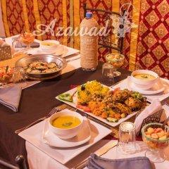 Отель Azawad luxury Desert Camp Марокко, Мерзуга - отзывы, цены и фото номеров - забронировать отель Azawad luxury Desert Camp онлайн питание