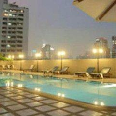 Отель Omni Tower Syncate Suites Бангкок бассейн фото 3