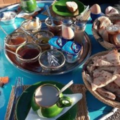 Отель Maison d'Hôtes Dar Farhana Марокко, Уарзазат - отзывы, цены и фото номеров - забронировать отель Maison d'Hôtes Dar Farhana онлайн питание фото 2