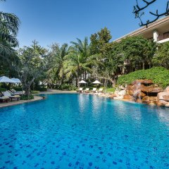 Отель Ravindra Beach Resort And Spa бассейн фото 5