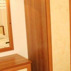Отель Ekinci Palace сейф в номере