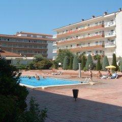 Отель RVhotels Apartamentos Lotus Испания, Бланес - отзывы, цены и фото номеров - забронировать отель RVhotels Apartamentos Lotus онлайн бассейн фото 3