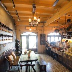 Niras Bankoc Hostel Бангкок гостиничный бар