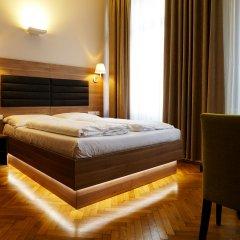 Hotel Marc Aurel сейф в номере