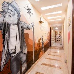 BedBug Hostel by Madpackers интерьер отеля