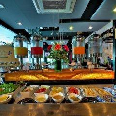 Отель Aspira Skyy Sukhumvit 1 Бангкок гостиничный бар