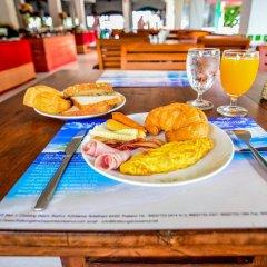 Отель First Bungalow Beach Resort питание фото 4