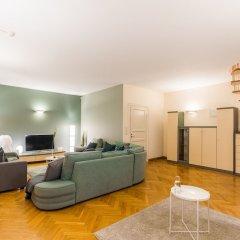 Апартаменты Big Italy Apartment 200m2 комната для гостей фото 3