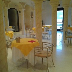 Отель Albergo Villa Alessia Кастель-д'Арио питание