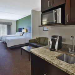 Отель Holiday Inn Express & Suites Geneva Finger Lakes в номере