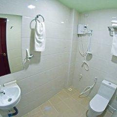 Отель Tourist Inn Мале ванная