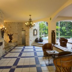 Отель Los Arcos Suites Пуэрто-Вальярта интерьер отеля