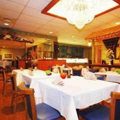 Отель Magnuson Grand Columbus North США, Колумбус - отзывы, цены и фото номеров - забронировать отель Magnuson Grand Columbus North онлайн питание фото 2