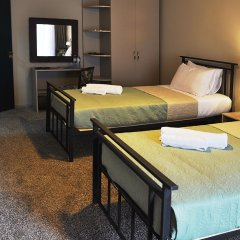 Art Hotel Claude Monet Тбилиси сейф в номере