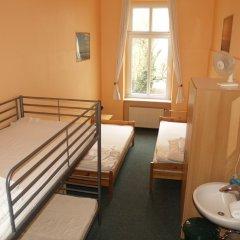 Happy Go Lucky Hotel + Hostel Берлин комната для гостей