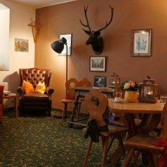 Отель Altstadthotel Weisse Taube Австрия, Зальцбург - отзывы, цены и фото номеров - забронировать отель Altstadthotel Weisse Taube онлайн гостиничный бар